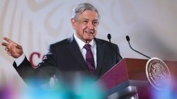 Recursos de subasta financiarán becas a deportistas. Conferencia presidente AMLO