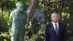 Ceremonia de Inhumación de Valentín Campa Salazar, desde la Rotonda de las Personas Ilustres