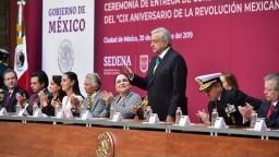 Ceremonia de entrega de condecoraciones y ascensos en el 109 Aniversario de la Revolución Mexicana